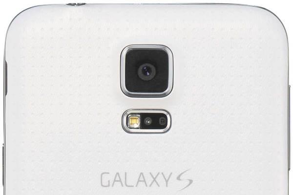 GALAXY S5はどんなスマホ? 本体の各部名称と役割を知ろう