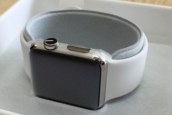 質感の違いに注目! Apple Watchのモデルを写真で比較