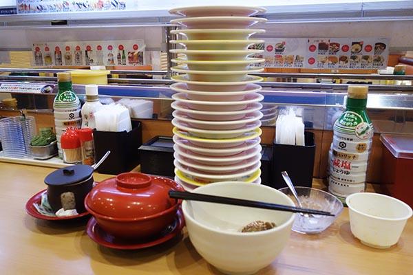 【神保町ペロリ旅】第69食 どこまでも皿を積み上げろ! 「かっぱ寿司」の食べ放題「かっぱの食べホー」(後編)【特別出張編】