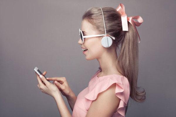 えっ、まだ有線? iPhoneにはBluetoothイヤフォンをおすすめする3つの理由
