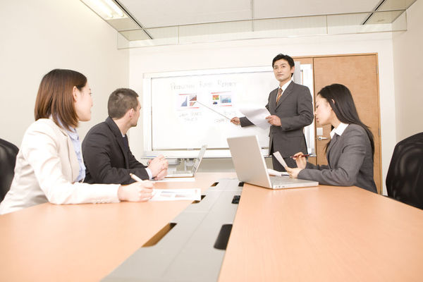 PowerPointでスライドショーの実行中にサウンドを流し続ける方法