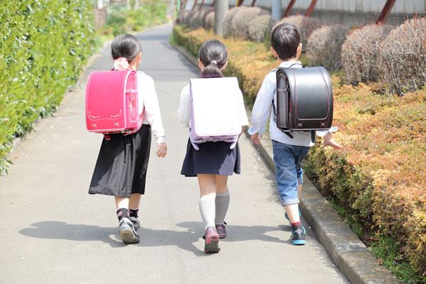 子どもの安全、どうしてる? 小学生の通学・通塾で持たせたい防犯 ...