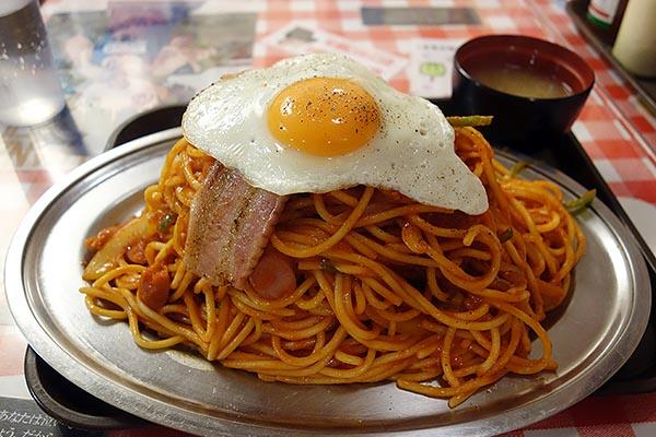 【神保町ペロリ旅】第62食 太い! 濃い! 誰もが満足するガッツリ系「スパゲッティーのパンチョ」のナポリタン 番長(前編)