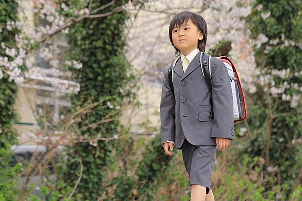 登下校の安全を見守るGPS「まもるっく」エリア出入通知の活用。子どもが予定どおりに行動できているか確認しよう