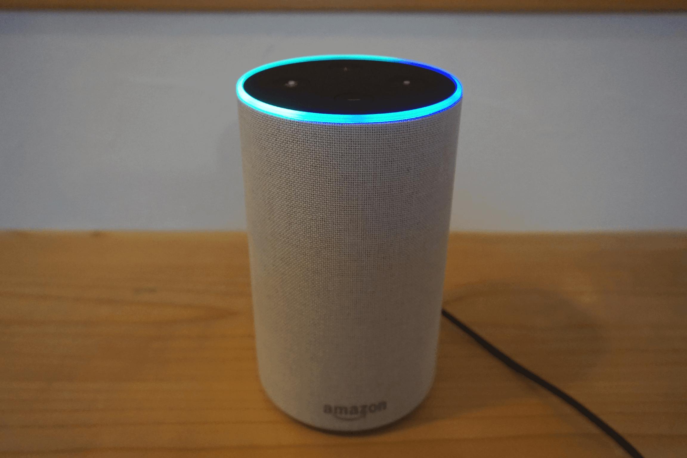 アマゾンエコー(Amazon Echo)の電源を入れたところ