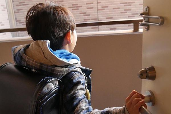 小学生の安全を見守るGPS「まもるっく」がある1日~保護者の心配はこうして解消!